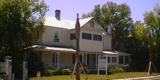 318 E. Tarpon Avenue, Tarpon Springs, Fl 34689