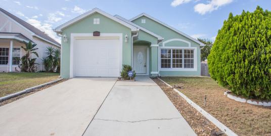 751 Belvoir Dr, Davenport, Florida 33837